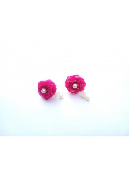 Rani rose with pearl earring