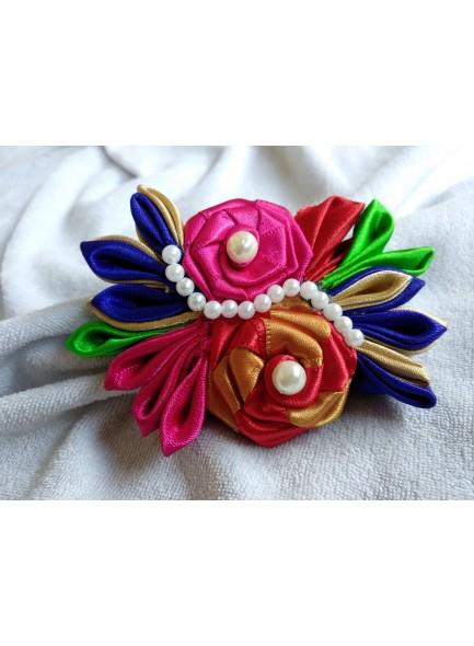 multi color rose saree pin