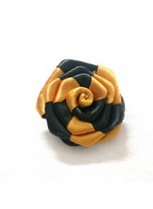 black and golden rose saree pin